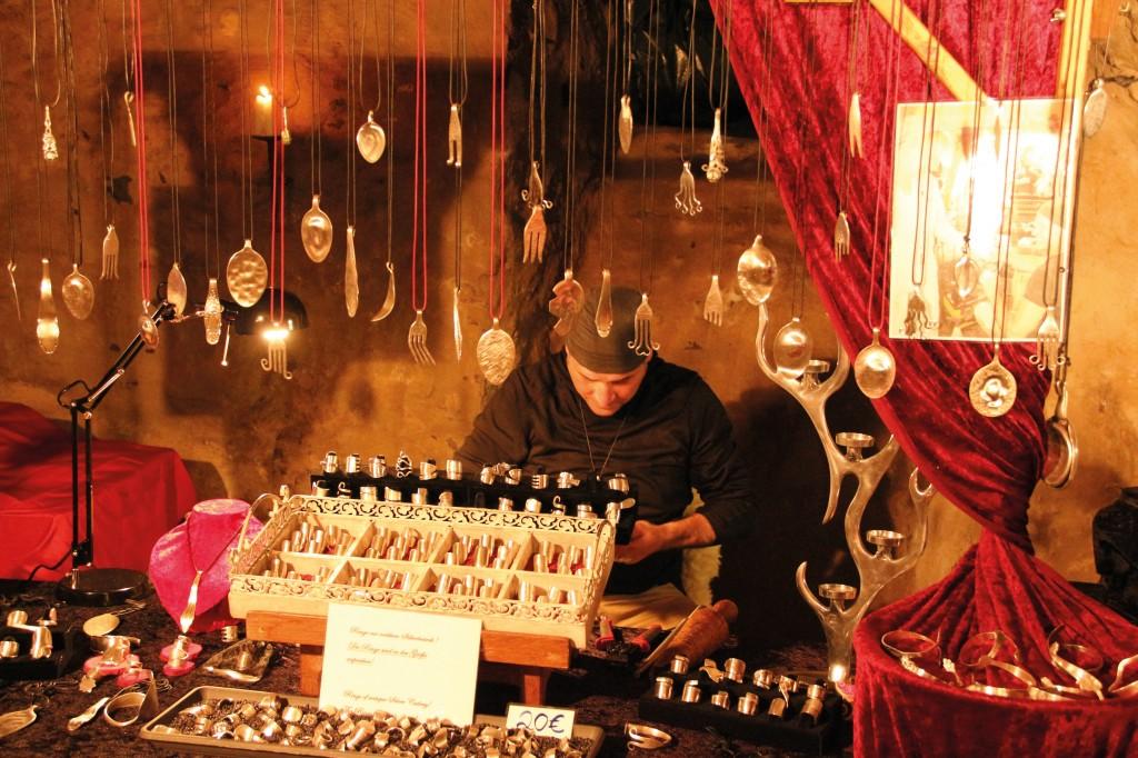 Weihnachtsmarkt_Reifferscheid_Schmuckstand