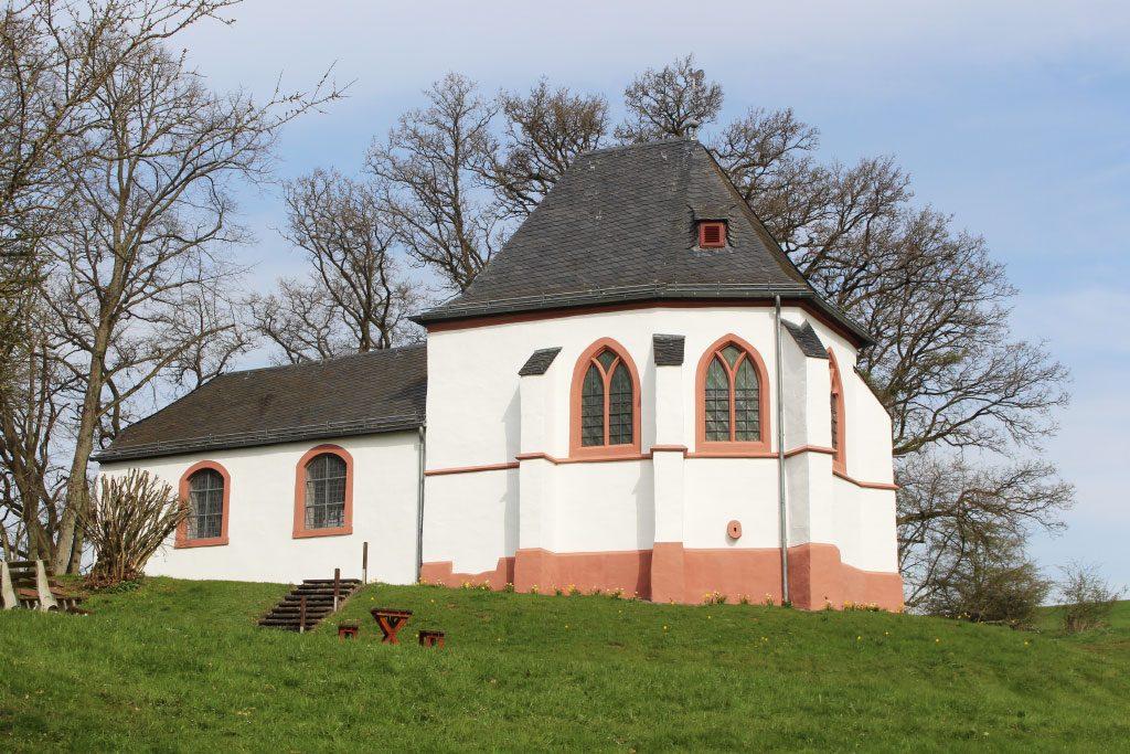 Die-um-das-Jahr-1330-erbaute-Ahekapell-bei-Engelgau