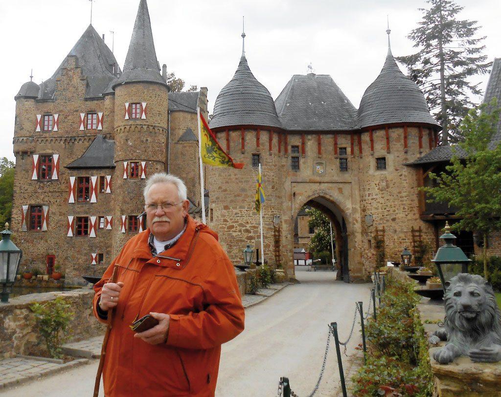 Eingang-Burg-Satzvey