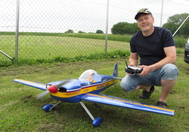 Thomas Weißweiler auf dem Modellflugplatz Marmagen