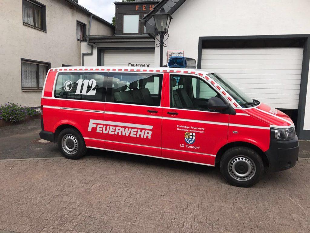 Werbetechnik Jentges und der Mannschaftseinsatzwagen der Feuerwehr Tondorf