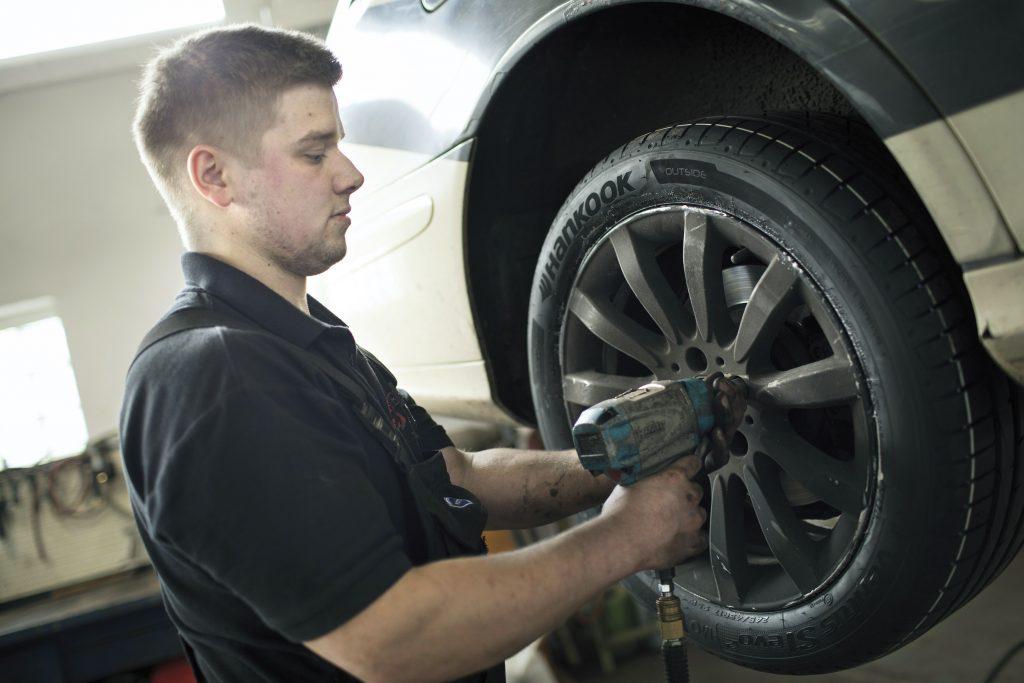 Kfz Finder: Jetzt auch Experte für Räder und Reifen