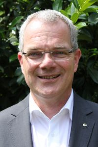 Geschäftsführer der Stiftung EvA ist Malte Duisberg.