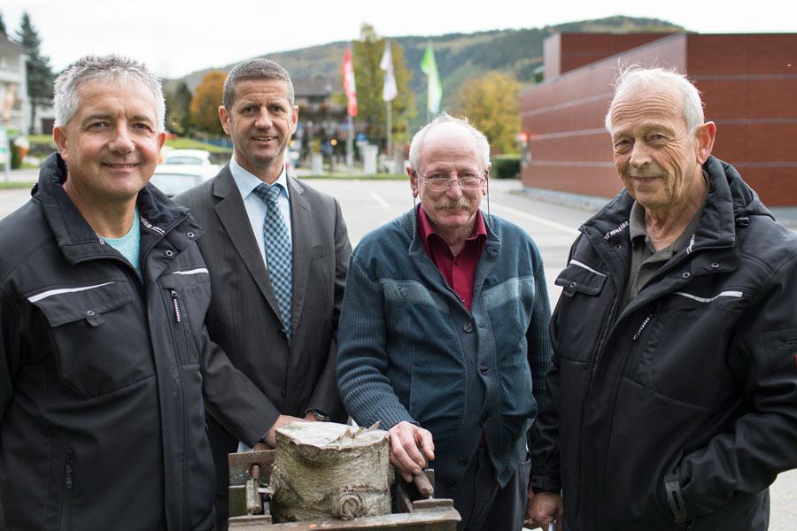 Weihnachtsmarkt in Rurberg: die Organisatoren Frank Lauscher, Michael Dederichs, Wolfgang Harth, Horst Lauscher