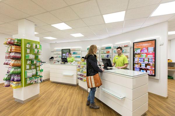 In den neuen Räumlichkeiten der Ventalis-Apotheke in Gemünd.