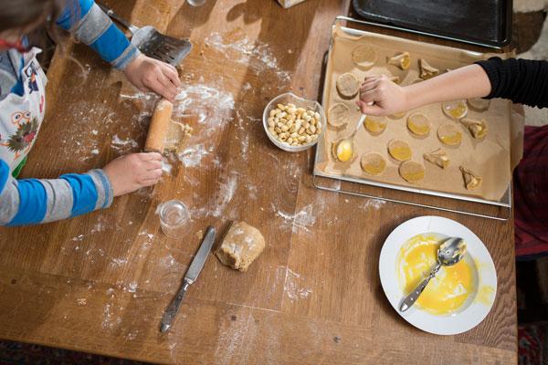 In der Weihnachtsbäckerei: Mandeltäschchen