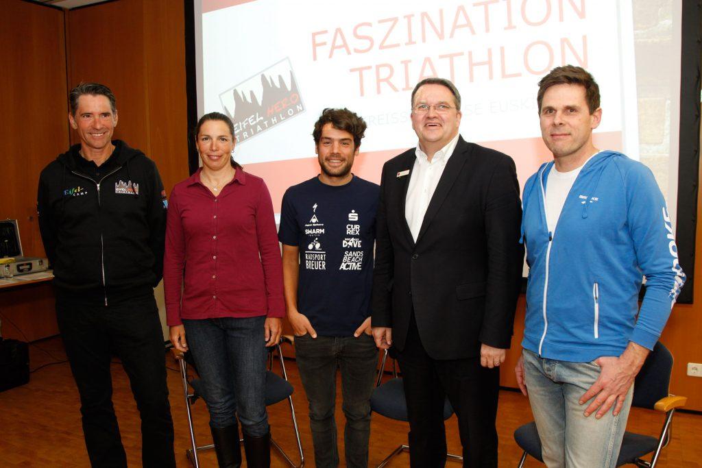 Alle für den Eifel Hero Triathlon: Ralf Hetkamp, Cora Hetkamp, David Breuer, Udo Becker und Jörg Brang